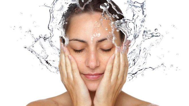 lavare faccia