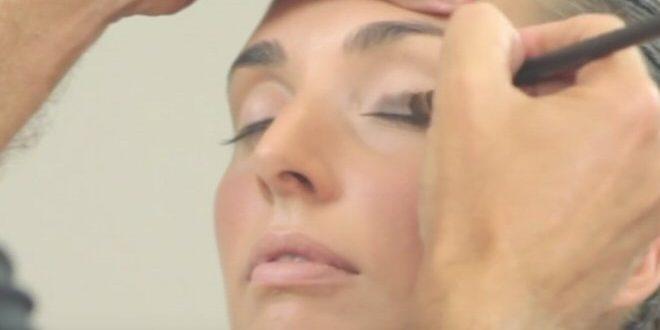 Come utilizzare i pennelli per gli occhi