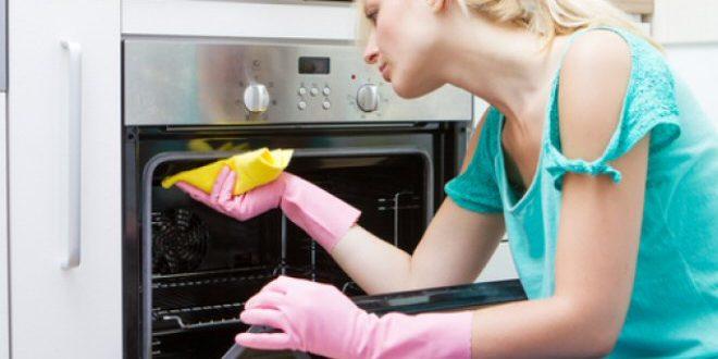 Come si pulire il forno con prodotti naturali