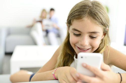 Adolescenti e social: croce e delizia dei genitori