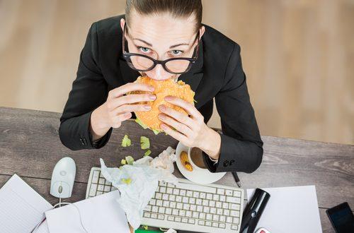 Cattive abitudini in ufficio: quali sono i risvolti positivi?