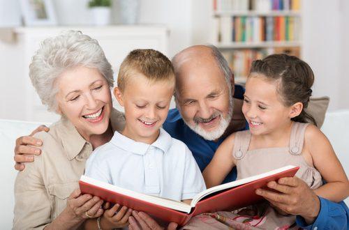 Nonni e nipoti: croce e delizia per i genitori