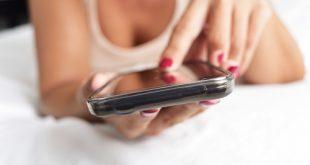 Sexting: meglio parlarne al più presto con i figli