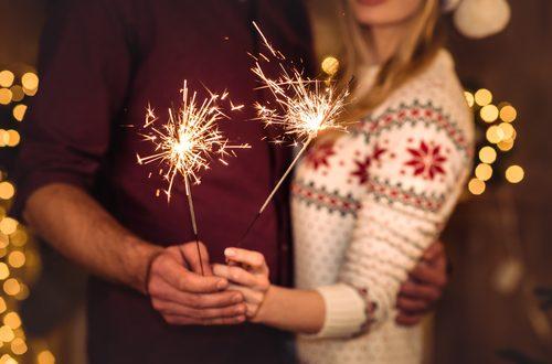 coppia festeggia capodanno da soli